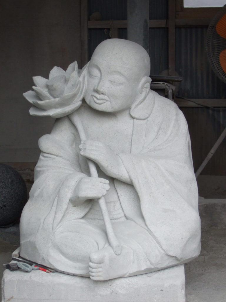 羅漢の店 水野石材店 羅漢彫刻2